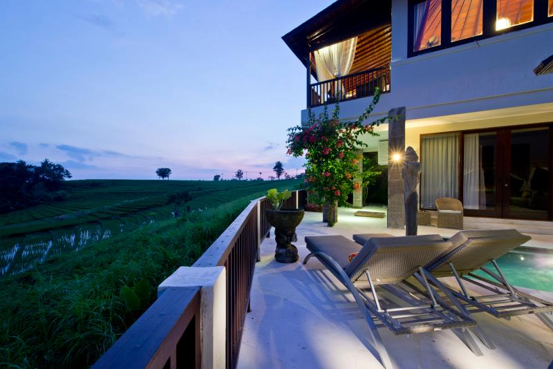 paddy field, sun-beds, private swimming pool