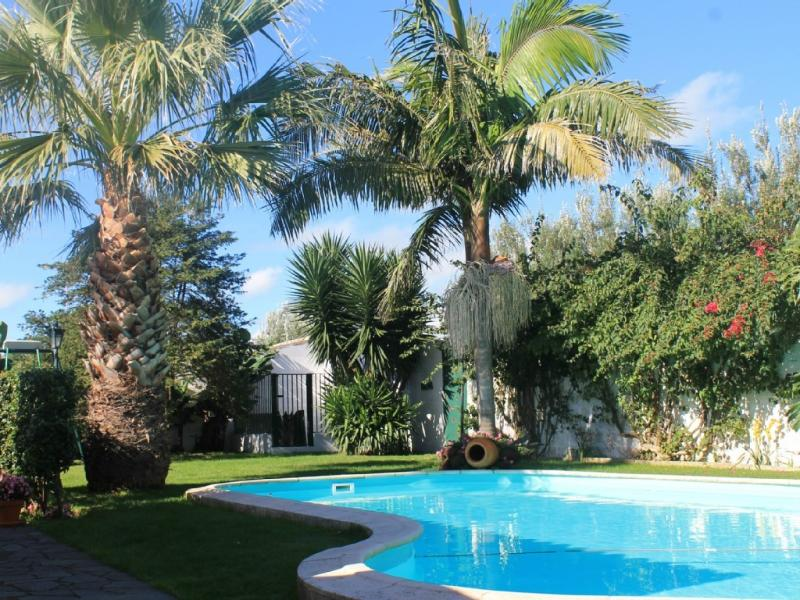 Villa with pool beachfront, vacation rental in Ponta Delgada