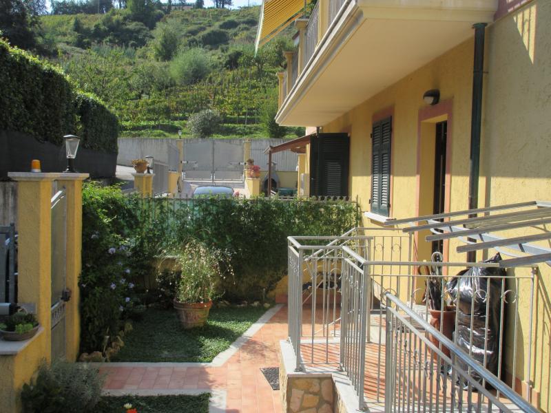 Sally's B&B, holiday rental in Carrara