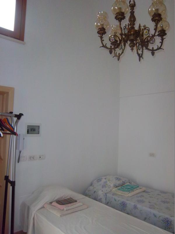 Zona notte monolocale; possibilità di disporre di letto matrimoniale o di un letto singolo