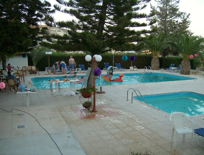 Rantzo pool area