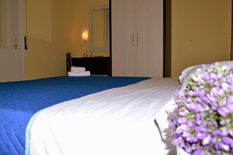 Bed & breakfast cave canem Trevi Fountain Room Chalet in Rome