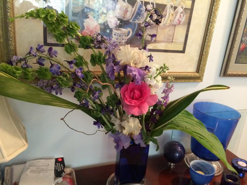 J'ai l'habitude des fleurs dans votre chambre et; autour de la maison de mon jardin.