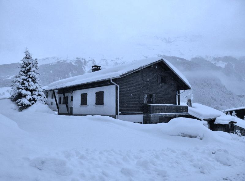 Chalet Mont Blanc - nestled in the snow