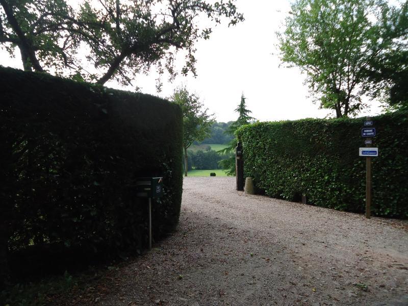 le portail d'entrée à la propriété