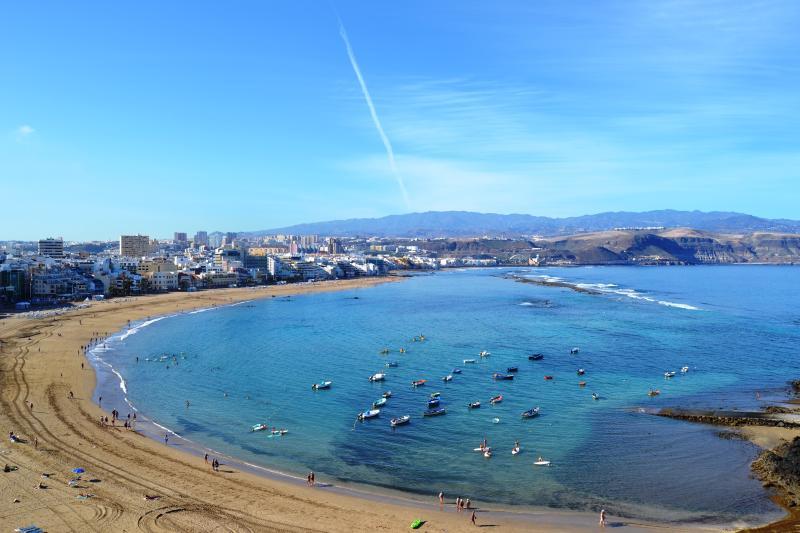 y  en primera línea de playa, aluguéis de temporada em Las Palmas de Gran Canaria