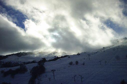 Stunning views of the ski area, South!