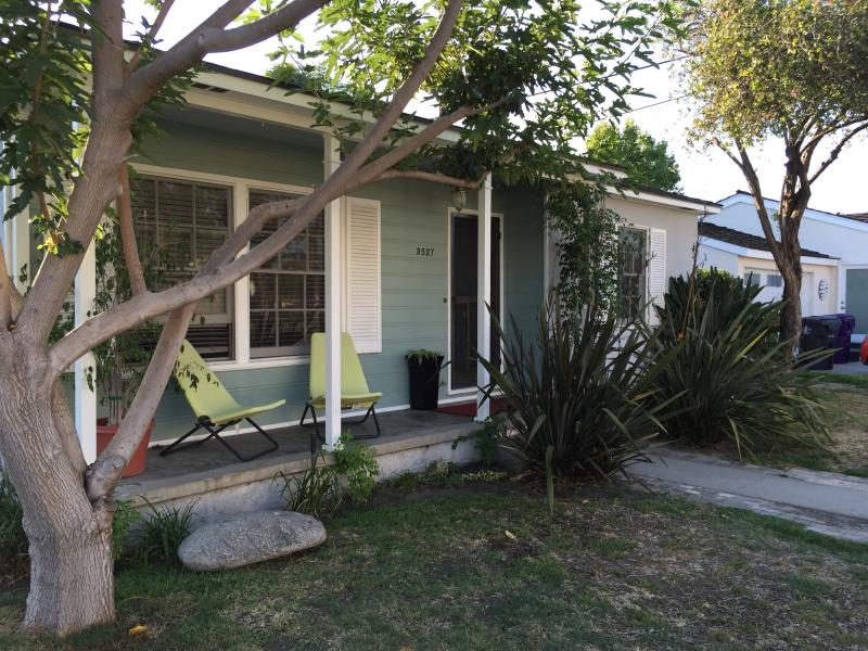 Suburban Serenity; Convenient Location, holiday rental in Downey