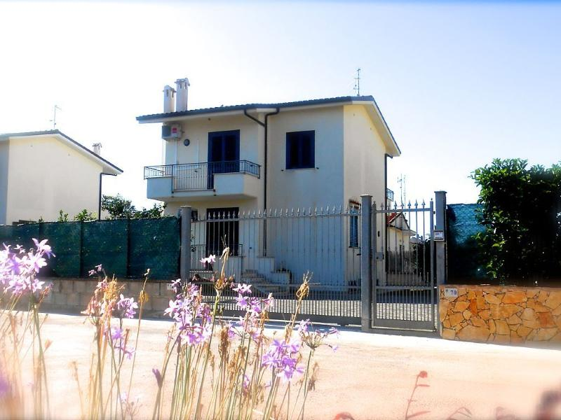 Villa su due piani sul mare, holiday rental in Sperlonga