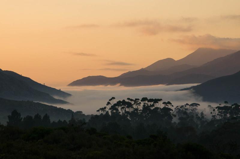 Morning mist in the Akkedisberg Pass
