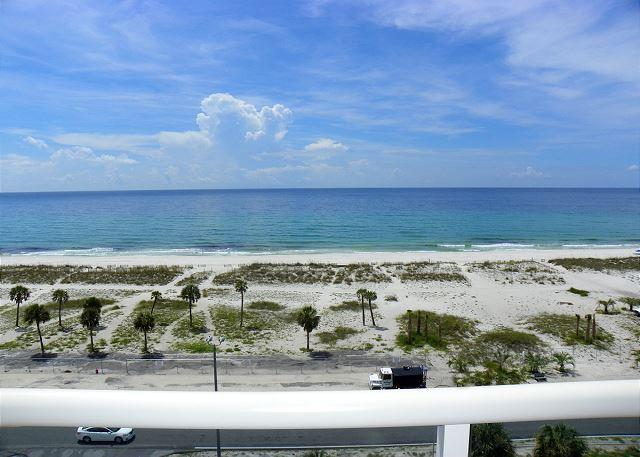 Enjoy the amazing gulf views from the unit.