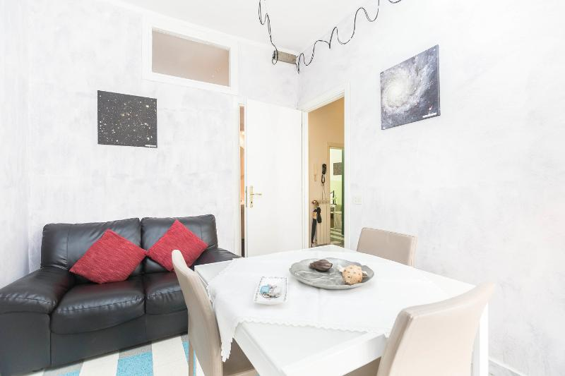Star Colour Rome: Welcome in your bright apartment, holiday rental in Rome