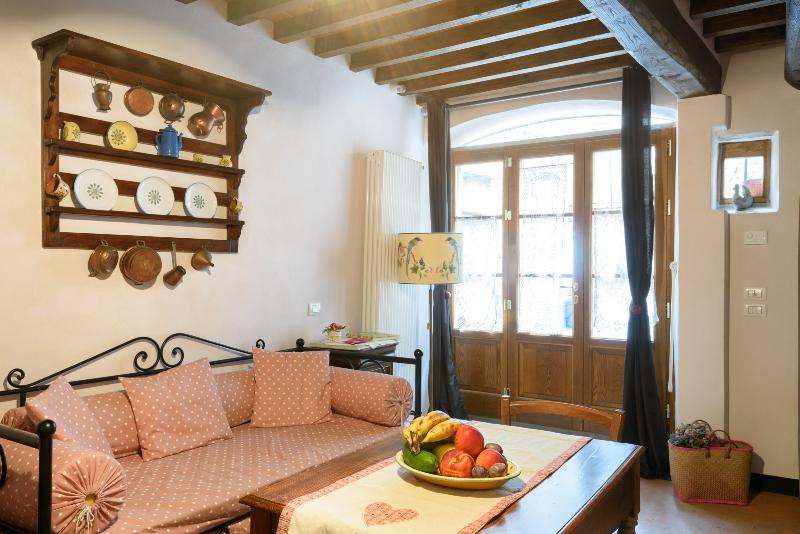 CASA MIA A CORTONA  a real tuscan emotion in the heart of the town, Ferienwohnung in Cortona