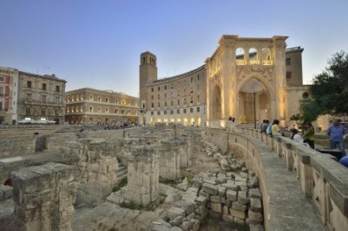 Lecce Piazza Sant'Oronzo Sedile e Anfiteatro Romano