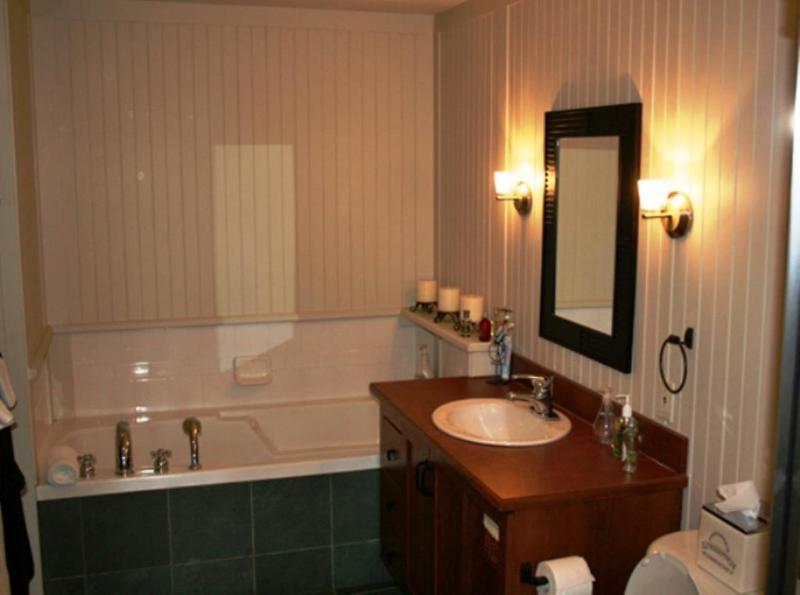 Master en-suite bathroom with heated floor
