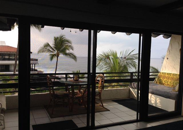 View from the living room and kitchen, look at that Ocean!