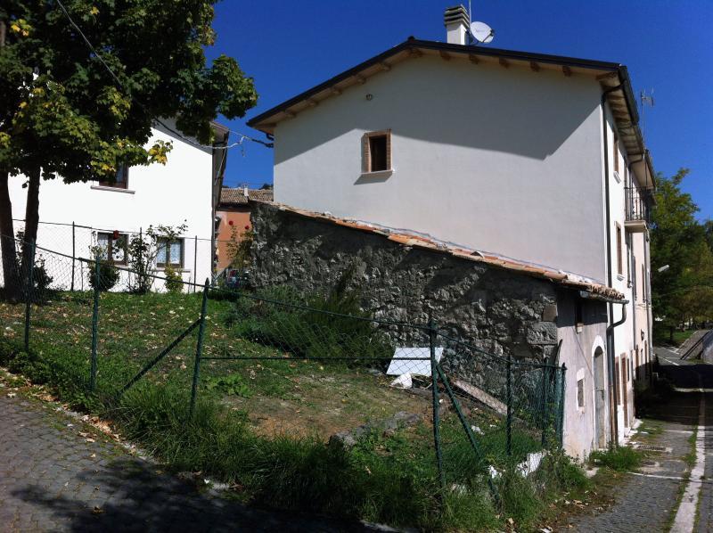 Esterno della casa vista da un'altra angolazione.