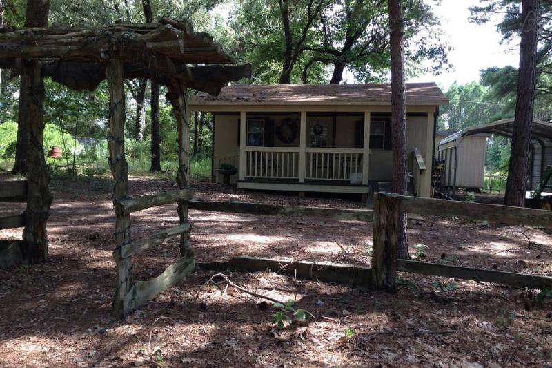 Julia's Cottage, holiday rental in Quitman