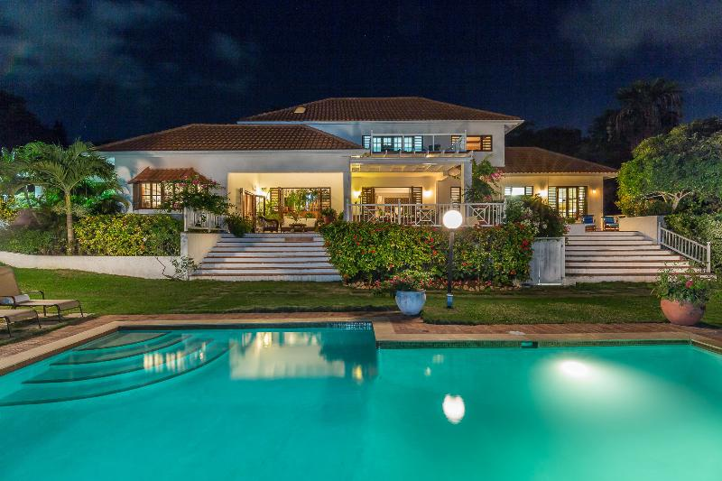 Caribbean Jewel - Spring Farm, Montego Bay 4 Bdrms, vacation rental in Rose Hall