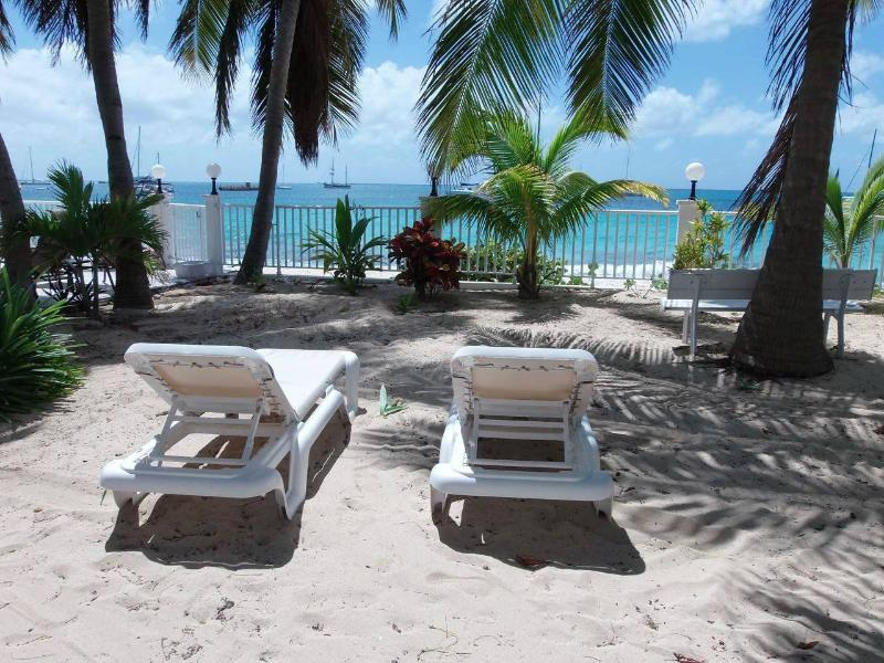 SBBC #2, 2BR beachfront vacation condo rental, Simpson Bay, St Maarten