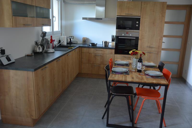 Chez Liline - appartement 2 chambres familial, location de vacances à Thollon-les-Mémises