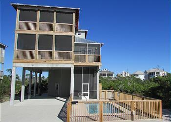 BooTiki: 1 House to Beach, 1 Block to Bay, Private Pool, Sleeps 10, Elevator, Accessible to All