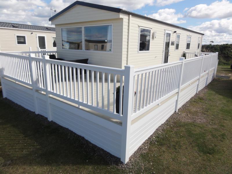 Barron Sands, 3 bedroom Caravan at Silver Sands, alquiler de vacaciones en Lossiemouth