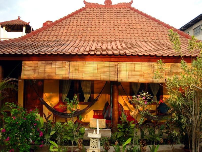 Deze accommodatie bestaat uit 2 kamers naast elkaar met een gedeeld terras.