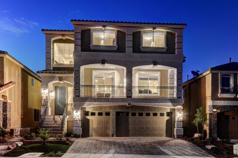 Stunning Luxury Home By LAS VEGAS STRIP 5BD (2Master