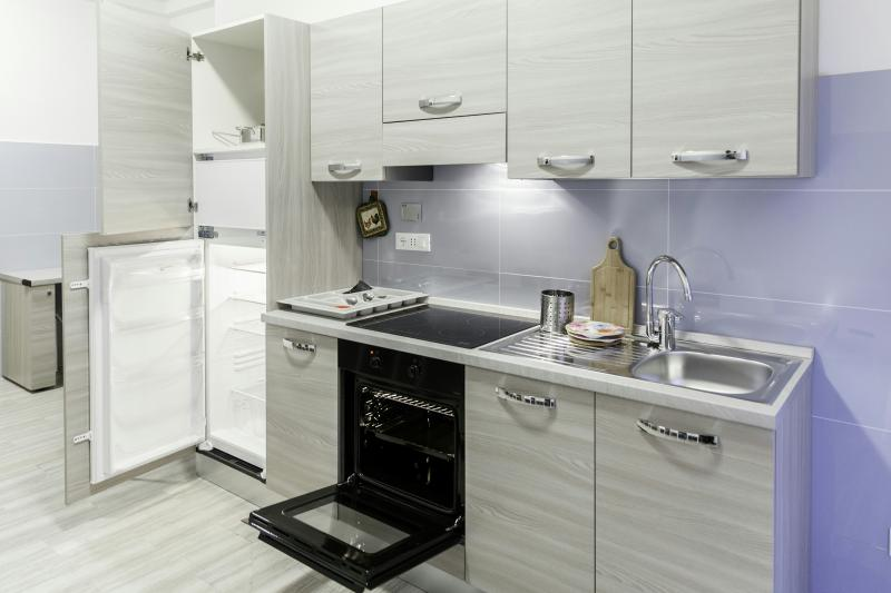 IN FIERA 14: spacious,elegant and comfortable flat for tourist or business man, holiday rental in San Donino