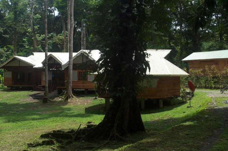 LA MAGIA BUNGALOWS DE LUXE 'El Sol', vacation rental in Cocles
