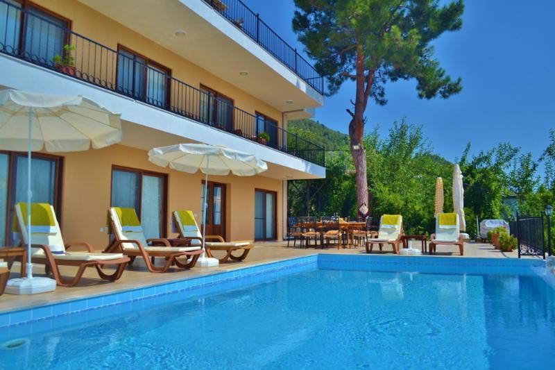 Villa Paradise Gardens, Ferienwohnung in Kalkan