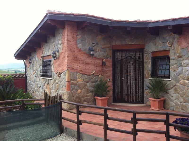 Depandance in villa, Ferienwohnung in Marco Simone