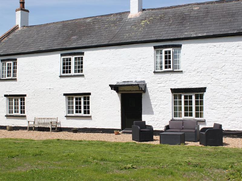 Bason Bridge farmhouse rental - front of house
