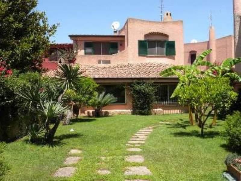 Villa pour profiter de la mer et de ROME, location de vacances à Castel Romano