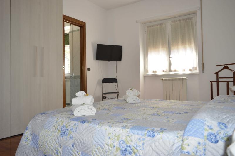 1 - Camera da letto matrimoniale con bagno in camera e Tv
