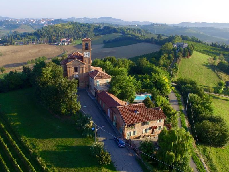 Luxurious villa, private pool, wine, truffles, Piedmond, Italy: Villa Cioccaro, location de vacances à Moncalvo