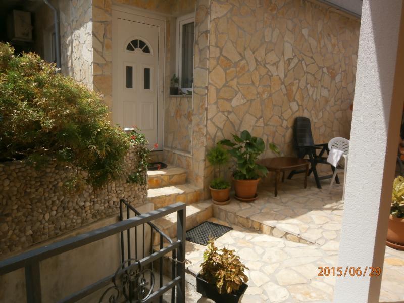 apartment 2 rooms Brnic R., vacation rental in Miholascica