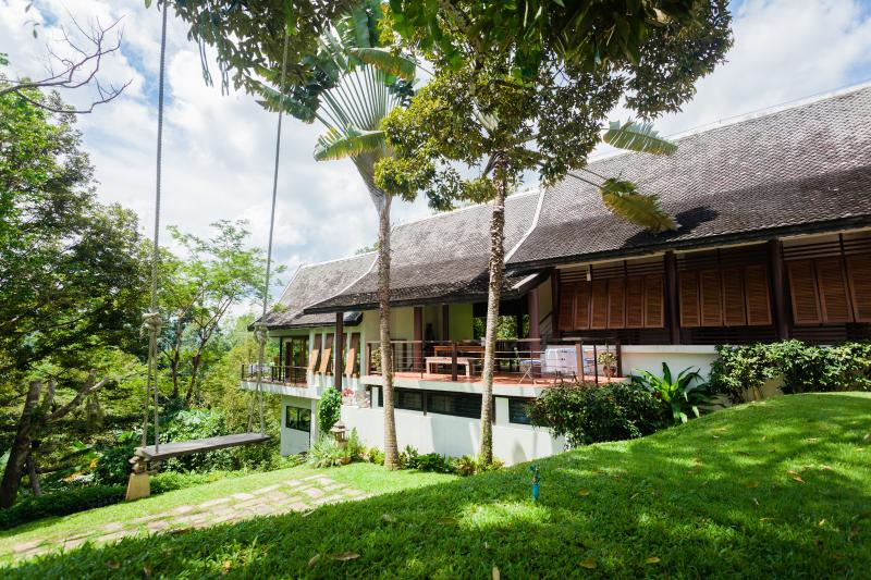 De Chom Villa, vacation rental in Takua Thung