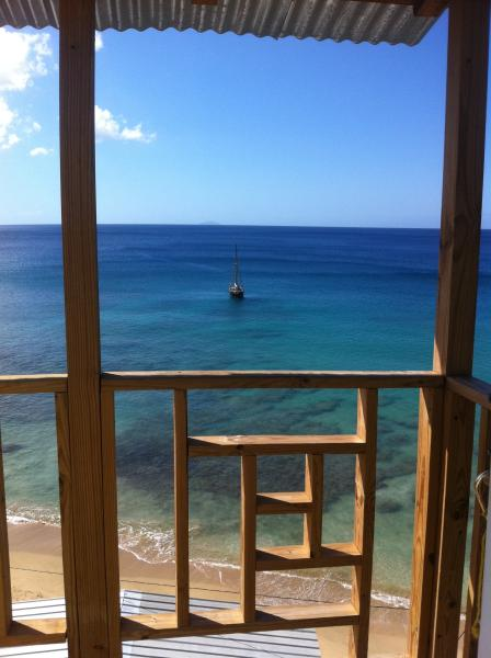 Tropical Beach House, holiday rental in Aguadilla