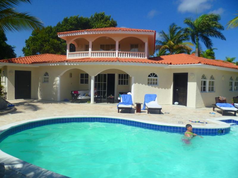 Black Bracelet VIP 4 bedroom villa, casa vacanza a Puerto Plata