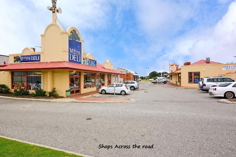 shops nearby