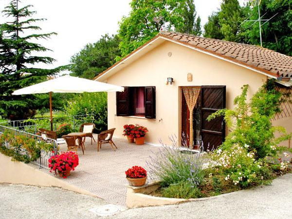 RESIDENCE GLI ULIVI, holiday rental in San Costanzo