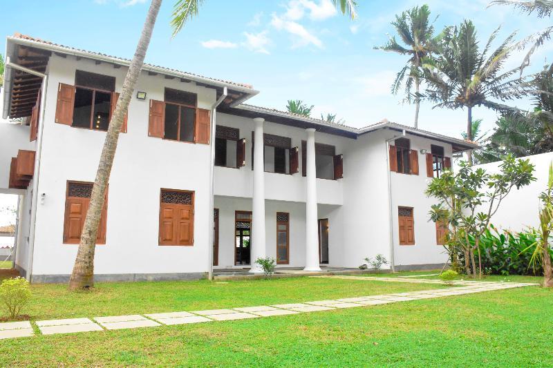 Villa Olu Luxury Beach  Galle, aluguéis de temporada em Galle