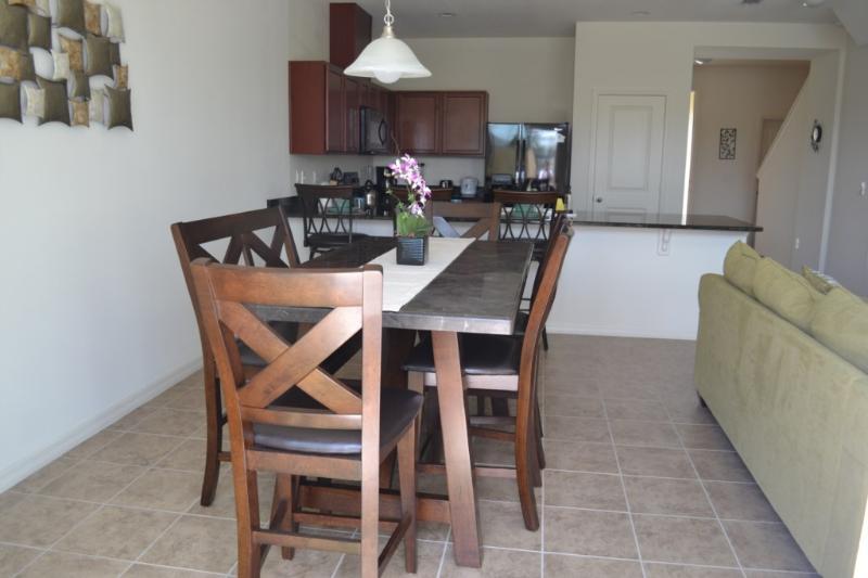 Mesa de comedor, muebles, mesa, silla, sofá