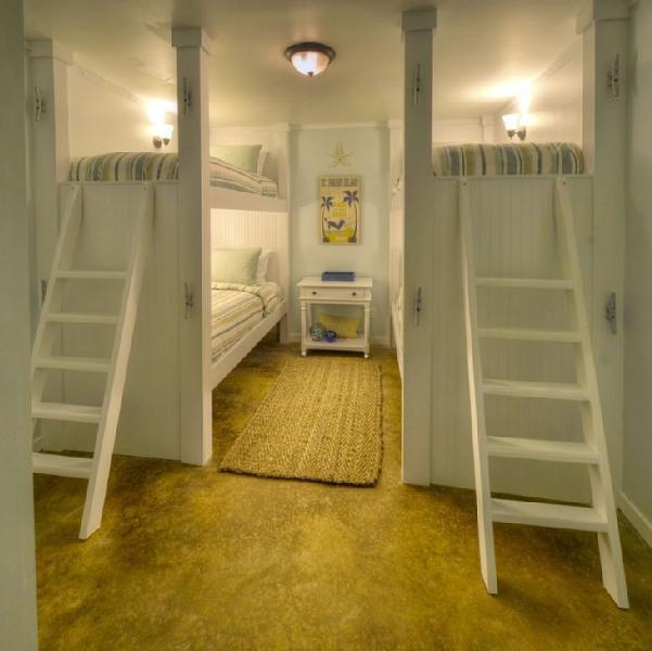 As camas de beliche adicional 1º andar