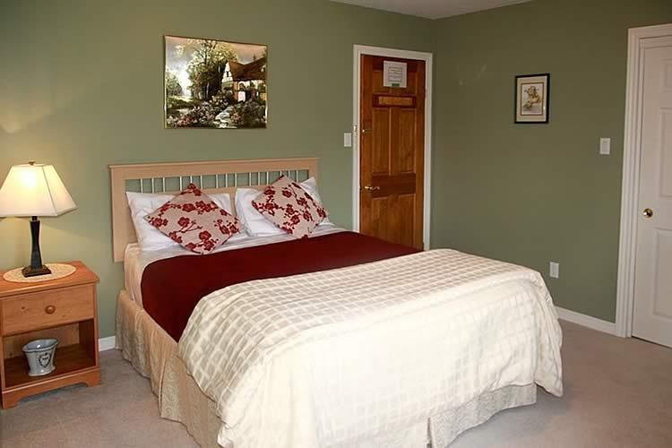 A Touch of Country Bed & Breakfast Country Suite, holiday rental in Woodstock