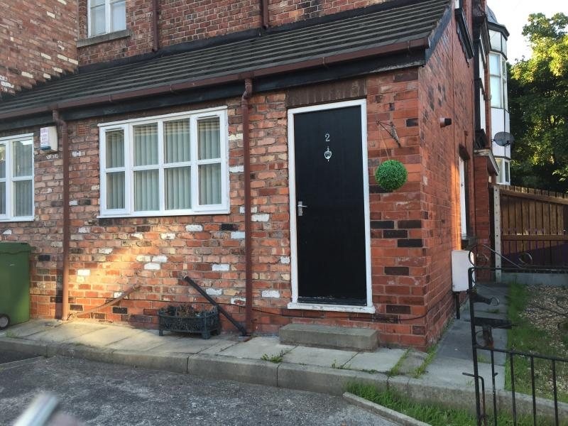 2 Bedroom Apartment in Orrell Park Liverpool, Ferienwohnung in Liverpool