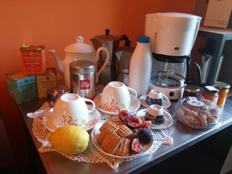 All you need for a great breakfast!!.. Tutto ciò che vi serve per una colazione super!!