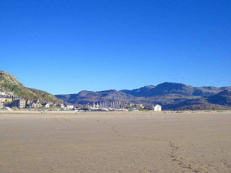 Barmouth Blue Flag Beach - superb long sands with dolphins waiting to be spotted out in Cardigan Bay